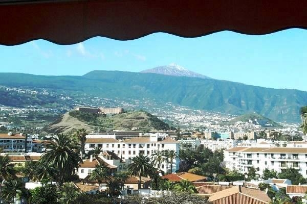 Apartment im obersten Stockwerk mit Aussicht auf Puerto de la Cruz und das Gebirge