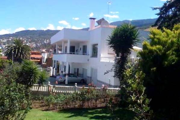 Große Villa mit Meerblick