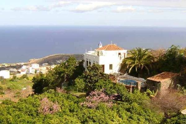 Exklusive Villa mit Meerblick und Pool