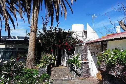Einfamilienhaus in Puerto de la Cruz mit Pool und Terra - unmöbliert