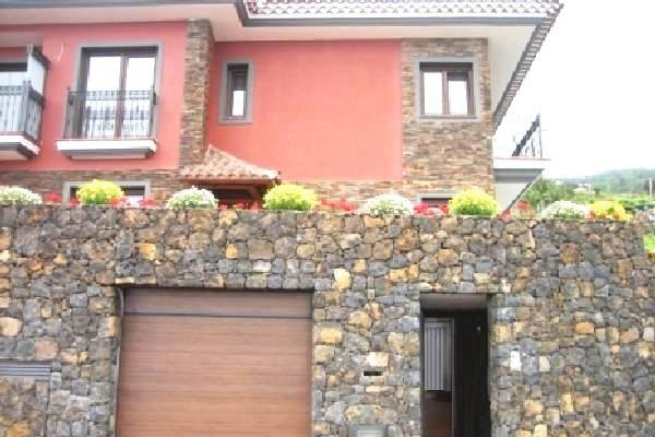 Haus in La Corujera mit Garage, Pool und Meerblick