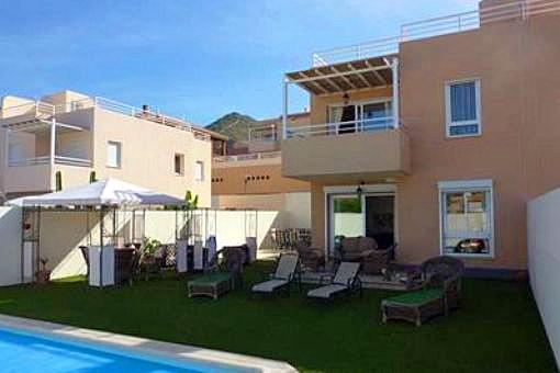 Villa in Madronal de Fañabé mit 4 Schlafzimmern, Dachterrasse und Pool