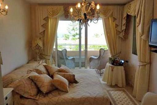 Eines der 4 Schlafzimmer - privater Balkon