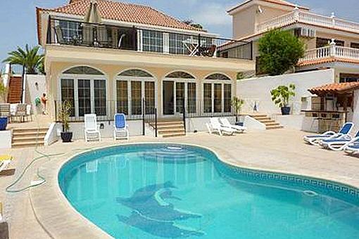 Exklusive Villa mit Pool und Fitnessraum in Callao Salvaje