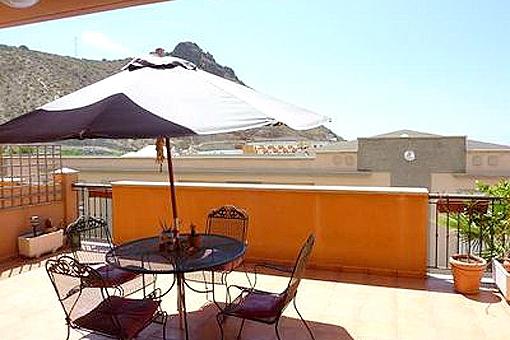 Moderne Wohnung mit Terrasse und Garten in Torviscas Alto