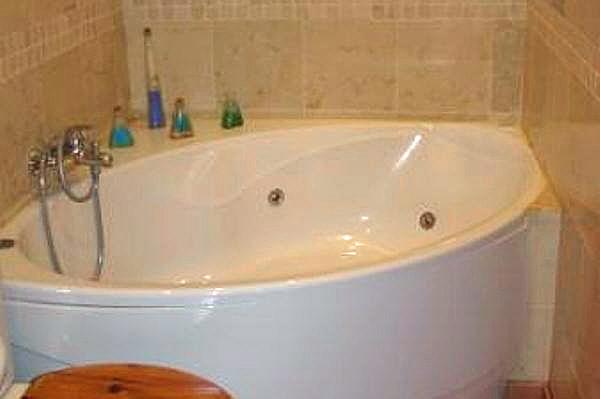 Hydromassage-Badewanne