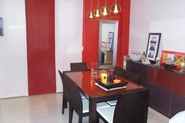 Esszimmer stilvoll und modern eingerichtet