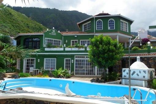 Oase in La Orotava mit sechs Appartements, Pools und Meerblick