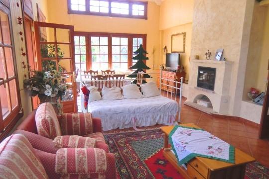 Hochwertige Finca mit großen Räumen und Meerblick in La Orotava