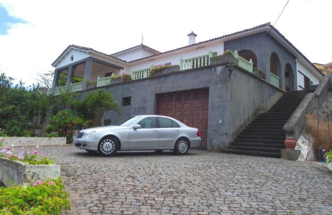 Repräsentative Finca mit großem Grundstück und Bauplätzen in bester zentraler Lage