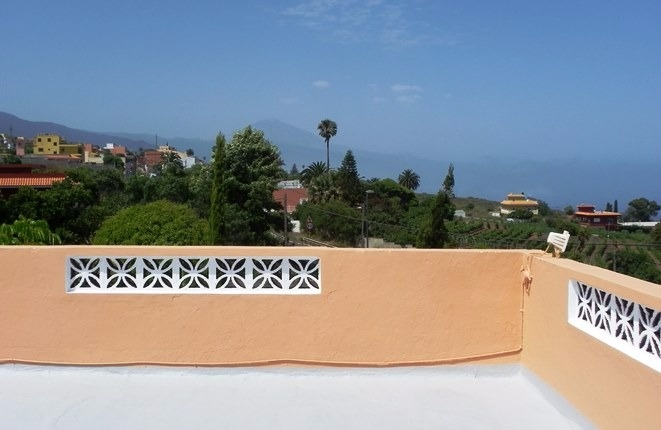 Traditionelle Finca mit 3500 m2 Land, gemütlichem Patio und großen Terrassen mit Meer- und Teideblick
