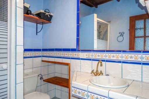 Badezimmer mit Naturlicht