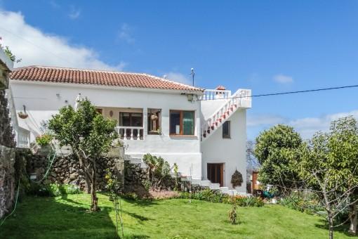 Haus mit großem Obstgarten in fantastischer Teide- und Meerblicklage