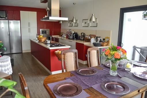 Offene Küche mit Kochinsel