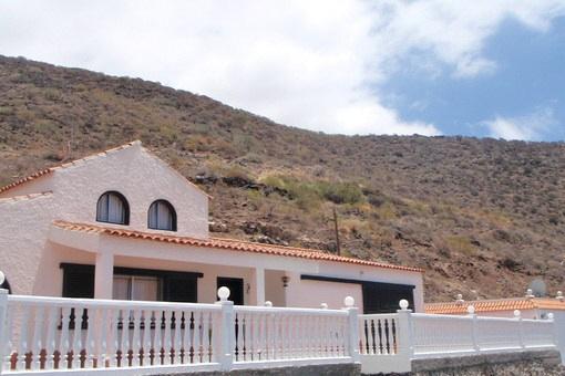 Finca mit Pool und beeindruckender Sicht auf Berge und Meer nahe Los Gigantes