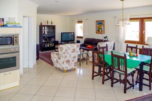 Beeindruckender Wohn- und Essbereich im Haupthaus