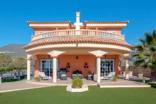 Freistehende Villa mit großem Grundstück in Tijoco