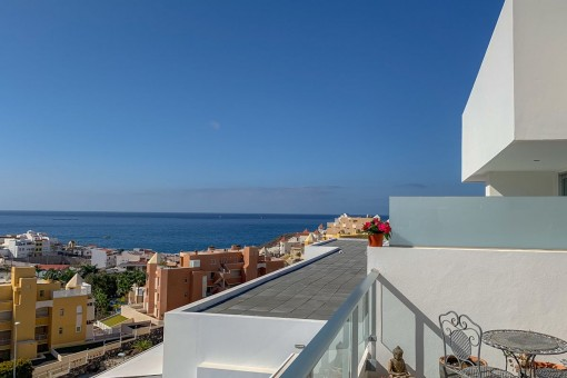 Luxus-Penthouse in Caleta Palms mit traumhaftem Meerblick