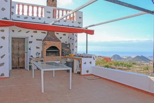 Terrasse mit Grillbereich