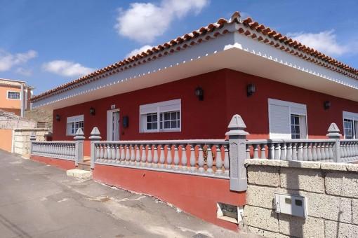Villa mit schöner Aussicht und Nebengrundstück in Charco del Pino-Granadilla