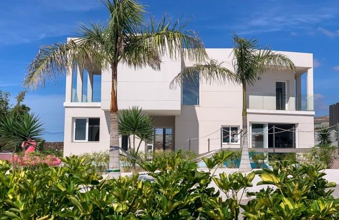Moderne Villa mit fantastischem Blick in Playa...