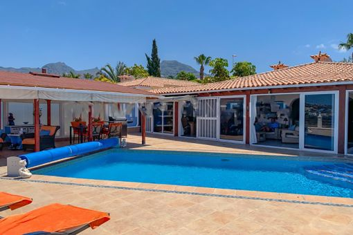 Villa mit herrlichem Meerblick in Costa Adeje zu verkaufen