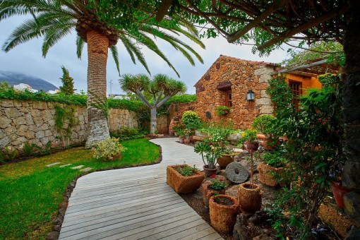 Finca im rustikalen Stil mit herrlichem Berg- und Meerblick in Arona