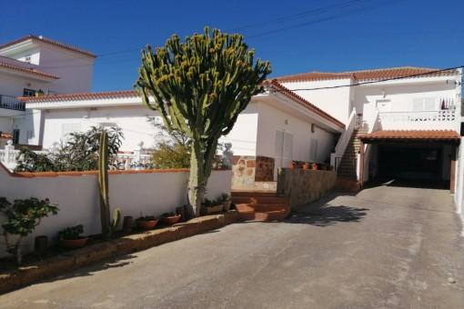 Zwei unabhängige Häuser, eines mit Garten, Terrasse und Aussicht in Arona
