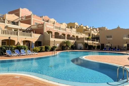 Schönes Doppelhaushälfte mit Meer- und Poolblick in El Palm Mar