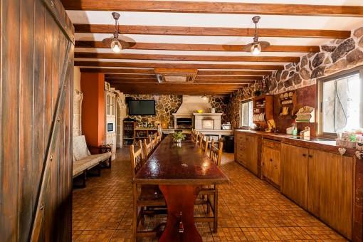 Separate Küche und Essbereich