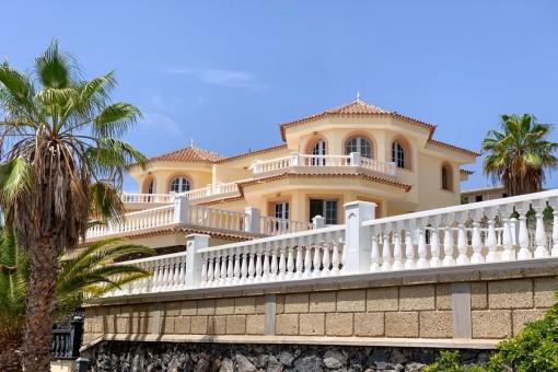 Beeindruckende Villa mit Meerblick in Los Menores, Adeje