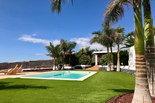 Exklusive Finca mit Pool und herrlichem Blick in Playa San Juan