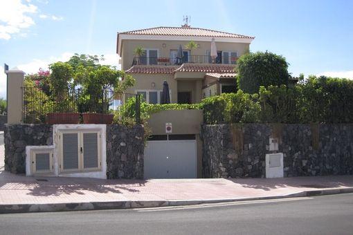 Elegante Villa mit Pool, Garten und großen Terrassen in Callao Salvaje