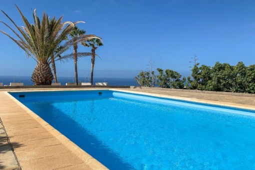 Finca mit Pool und herrlichem Meerblick in Adeje