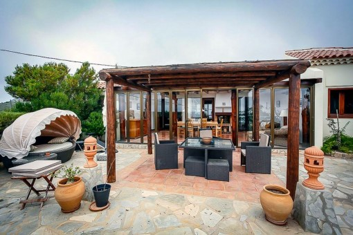 Terrasse mit Außenessbereich