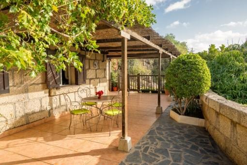 Idyllisches Finca Anwesen mit 4 Häusern, Pool und Obstbäumen in Candelaria