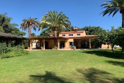 Villa in Arona zum Kauf