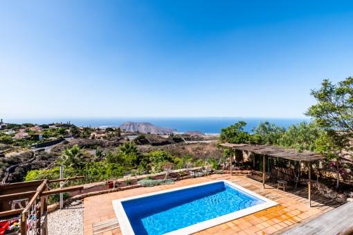 Wunderschönes Landhaus mit Aussicht und privatem Pool in Arona