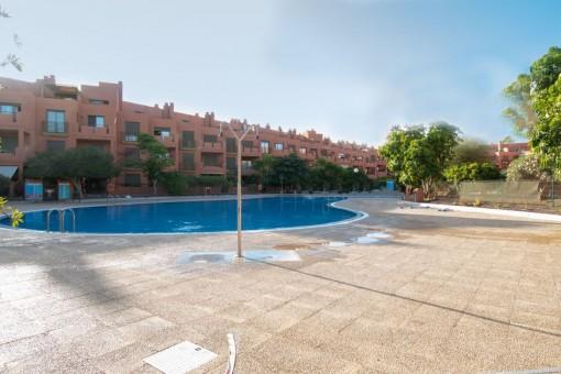 Wohnkomplex mit Pool