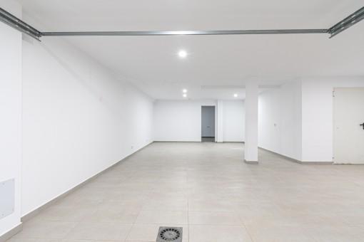 Große Garage