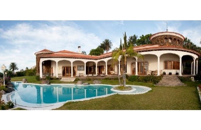 Luxuriöse Villa mit atemberaubendem Blick...