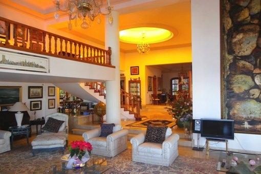 Villa Wohnzimmer : Santa ursula teneriffa luxus chalet mit zwei türmen und pool zu