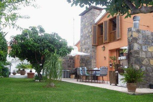 Stilvolle Villa mit großem Pool und Garten in Puerto de la Cruz