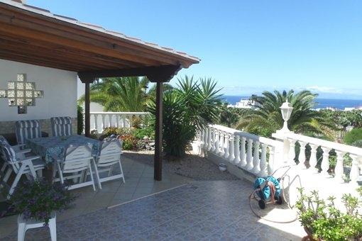 Villa in San Eugenio Alto: Panoramameerblick und große Terrassen