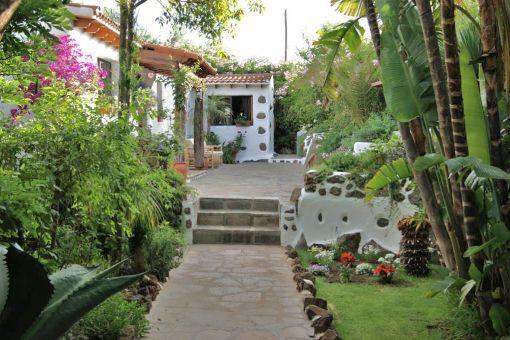 Schöne kanarische Finca mit 2500 m² Grundstück an der Küste von El Sauzal