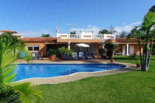 Traumhaus in Puerto de la Cruz mit Pool und großem Garten
