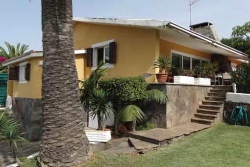Villa in Tacoronte mit großem Garten und Pool