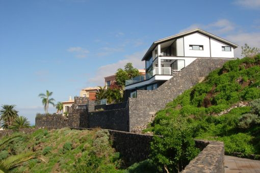 Traumhafte Villa in Santa Úrsula mit Pool, Garten und einzigartigem Blick auf das Meer