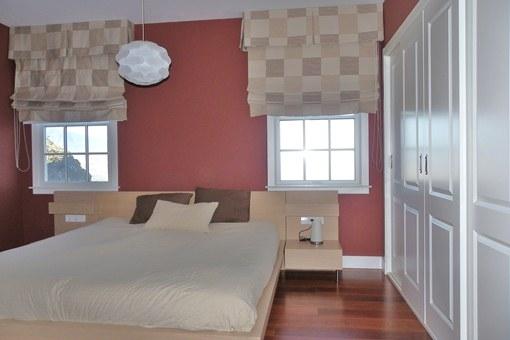 Schlafzimmer mit Einbauschrank in erster Meereslinie