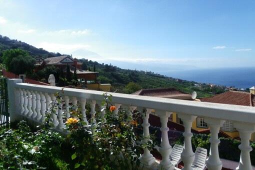 Villa mit Gästehaus, Pool und großen Terrassen in El Sauzal